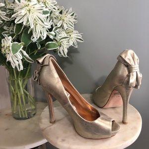 BADGLEY MISCHKA | Gold Bow Heels